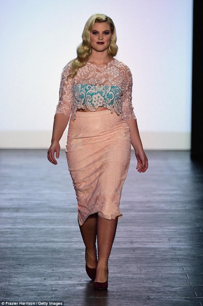 Ashley Nell Tipton-soy curvy-3