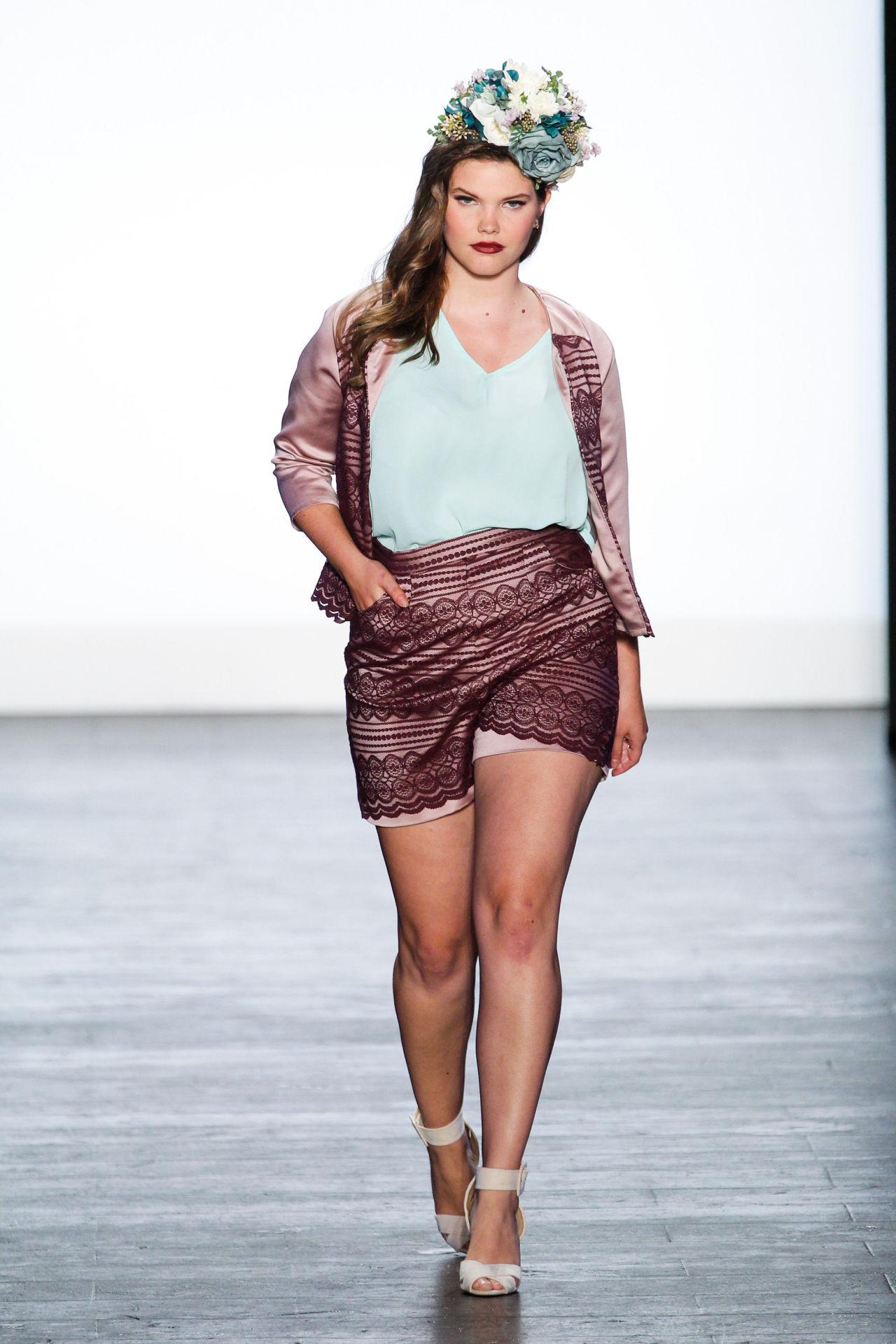 Ashley Nell Tipton-soy curvy