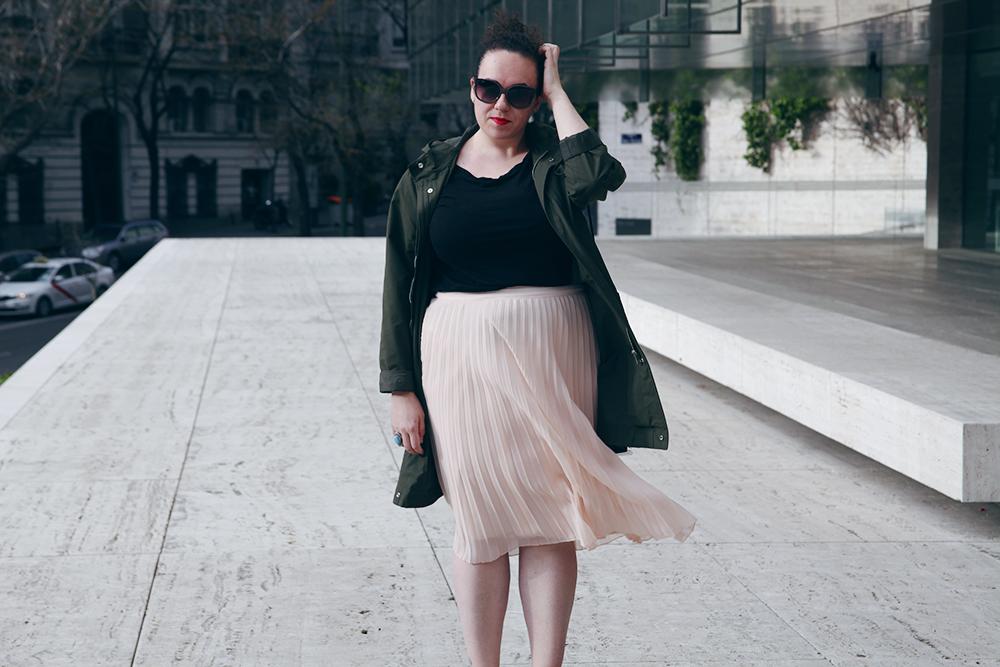 Falda plisada rosa-soy curvy-6