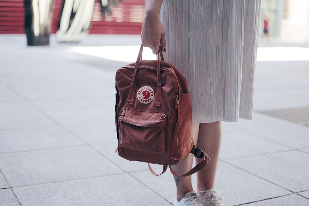 falda-plata-y-top-bordado-soycurvy-2