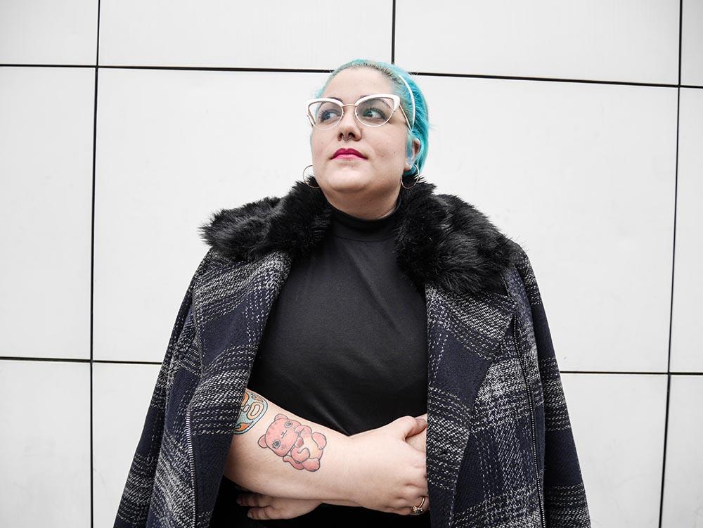 Lady con abrigo a cuadros1