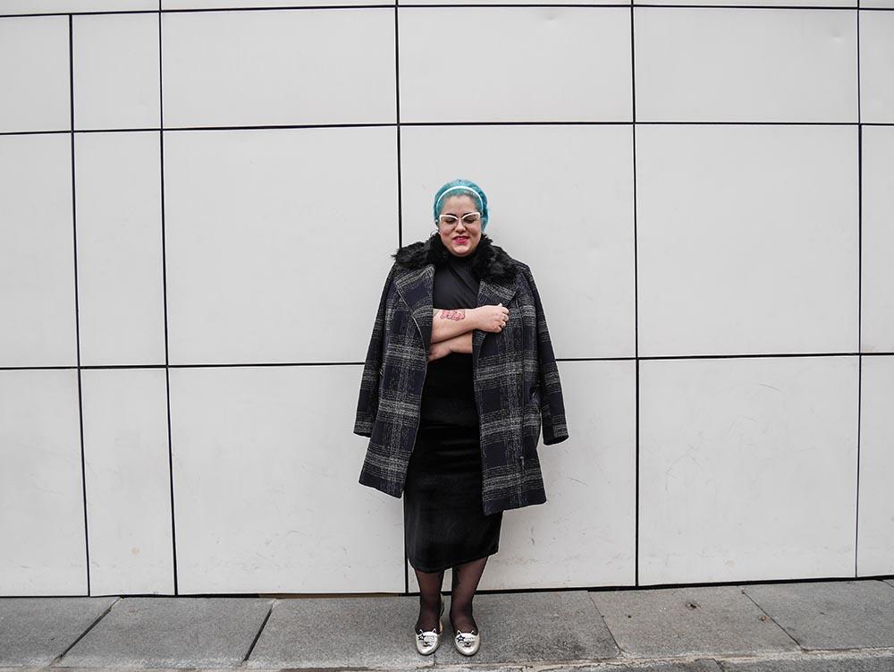 Lady con abrigo a cuadros3