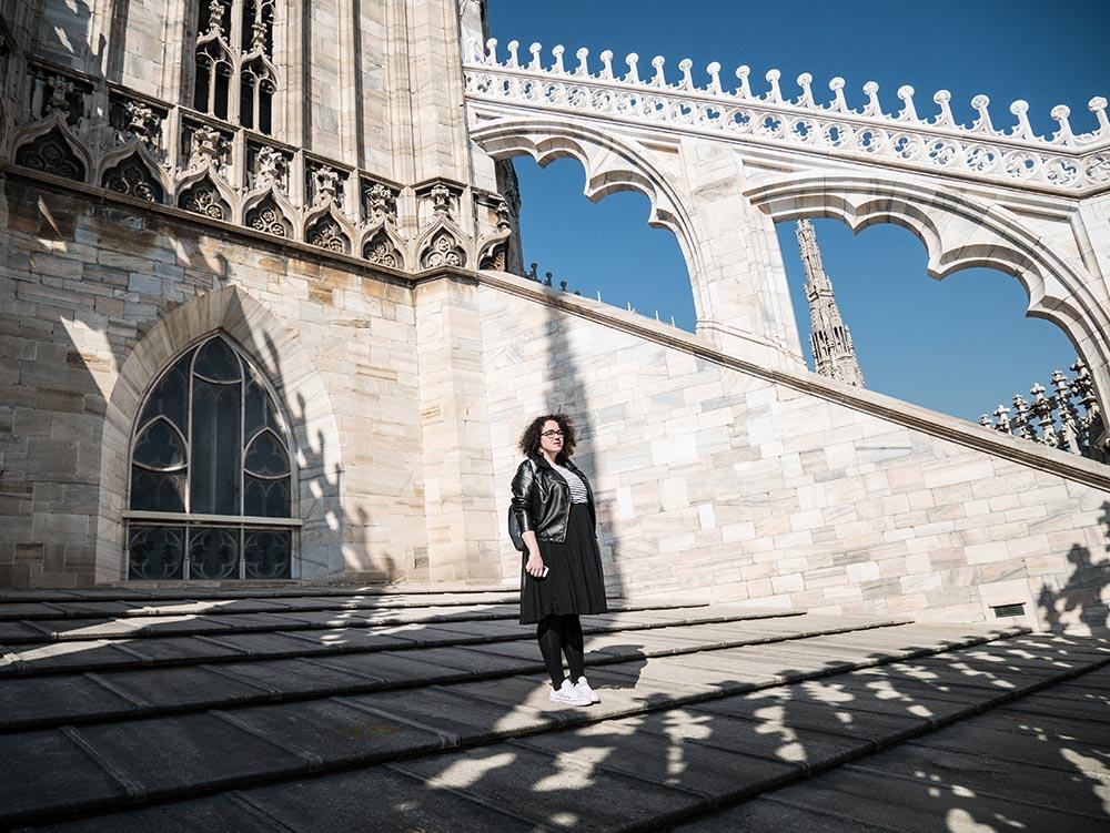 Camiseta Marinera y falda plisada en el Duomo4